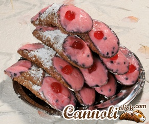 10 Cannoli with Cinnamon-Flavored Ricotta